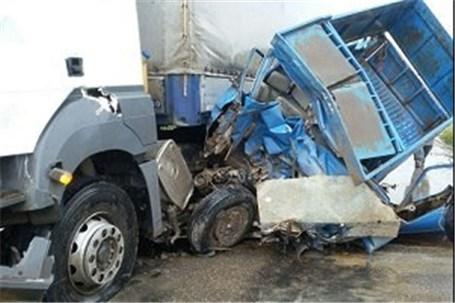 در جاده مرگ راننده نیسان زنده زنده در آتش سوخت