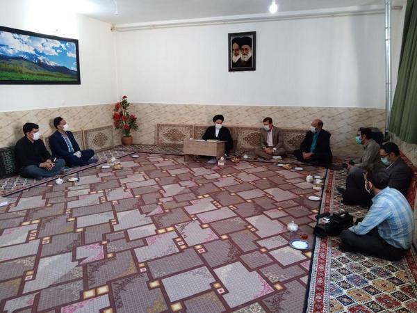 دیدار خبرنگاران و اصحاب رسانه با امام جمعه شهرستان دورود