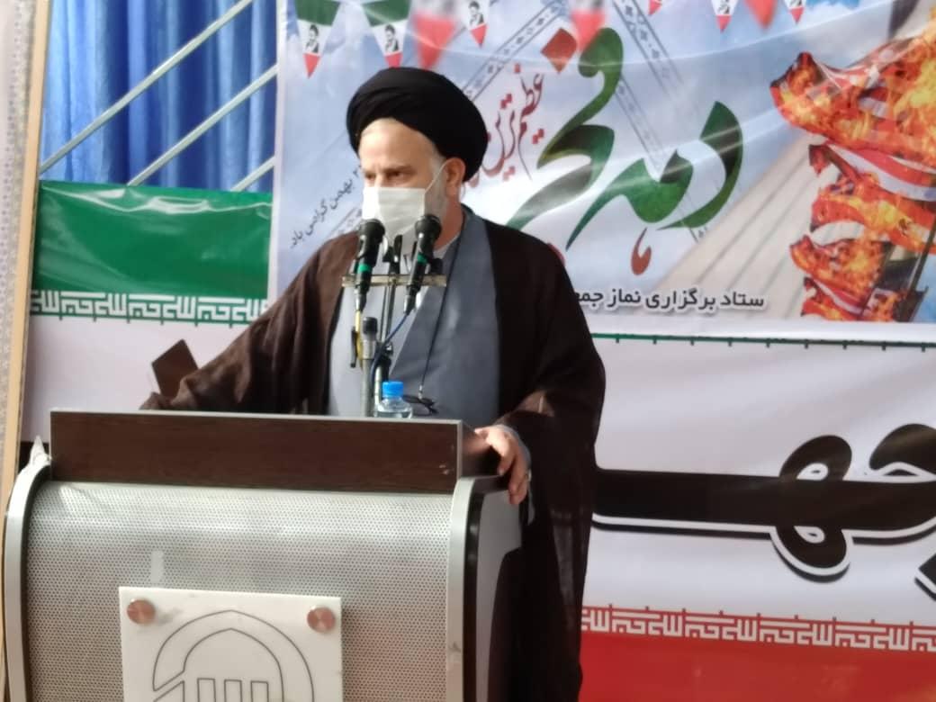 برنامه ريزي براي  اجراي بيانيه گام دوم انقلاب /مسئولين حكومتي بايد در مساجد حضور داشته باشند