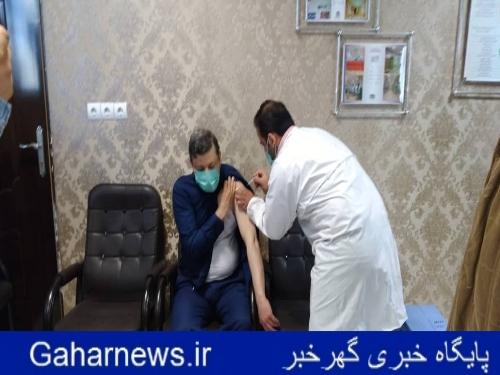 تزریق اولین واکسن کرونا در شهرستان دورود