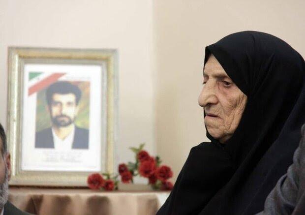مادر خبرنگار شهید، محمود صارمی درگذشت