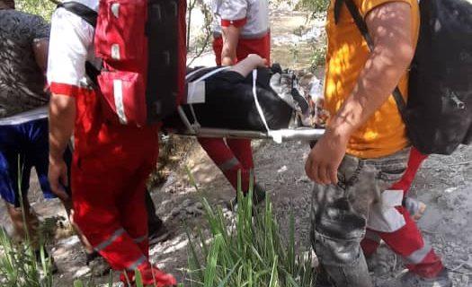 سقوط بانوی گردشگر اهوازی از آبشار آبگرمه شهرستان دورود
