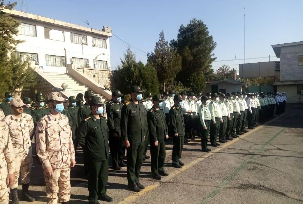 صبحگاه مشترک نیروهای نظامی و انتظامی در شهرستان دورود برگزار شد